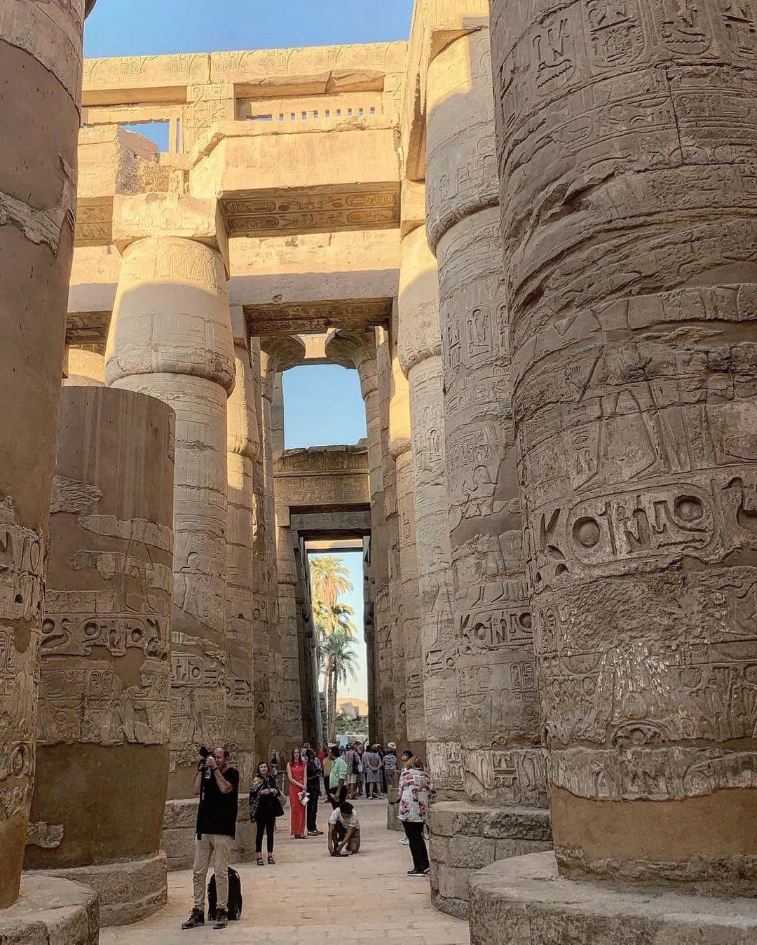 Экскурсия в Асуане - колонны Древнего Египта фото